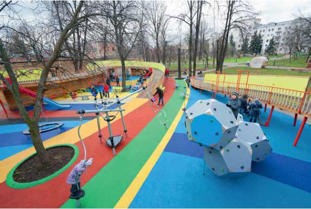 Детская площадка в Саду Баумана, 2012 Wowhause